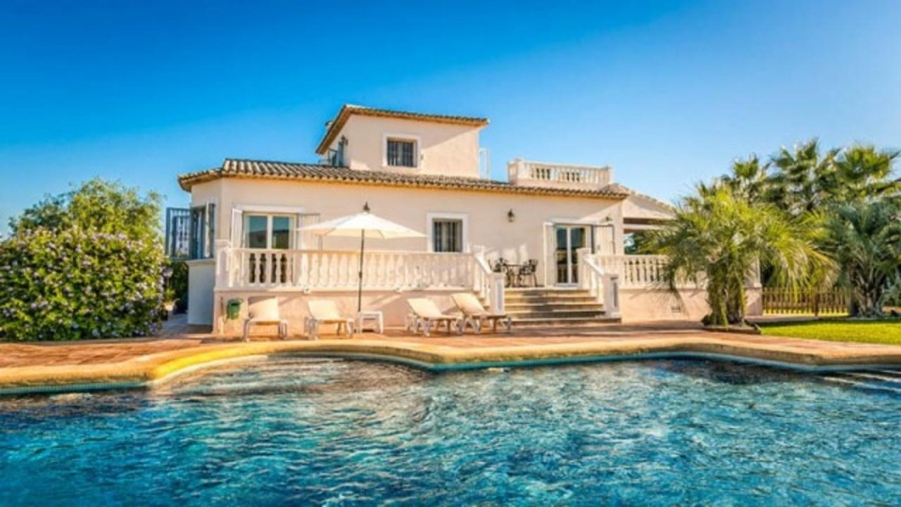 Ref:CH-1244-BB* Villa For Sale in Pedreguer