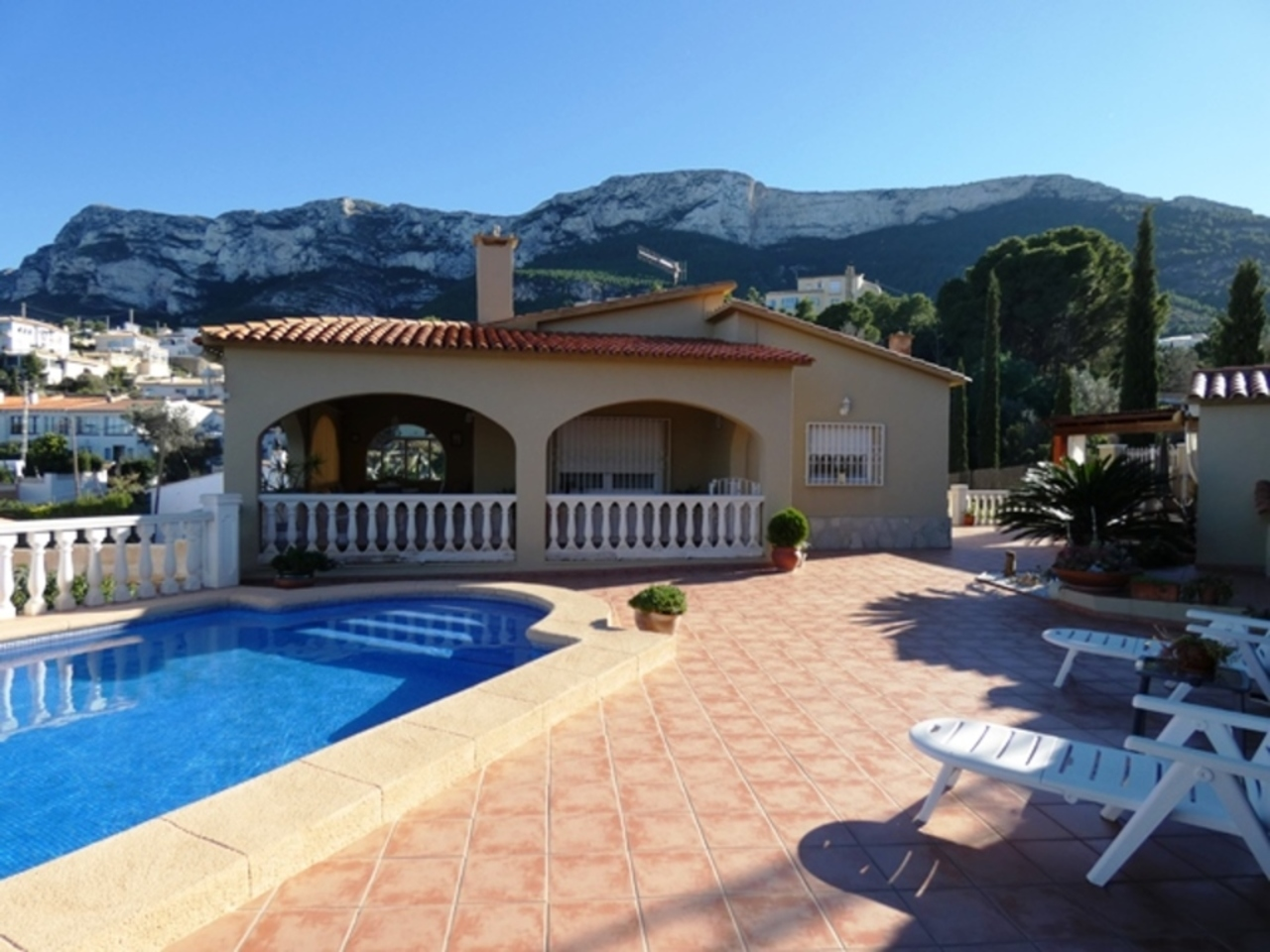 Ref:CH-1290-CC* Villa For Sale in Denia