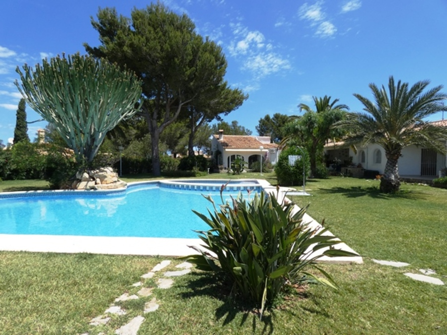 Ref:CH-1298-CC* Villa For Sale in Denia
